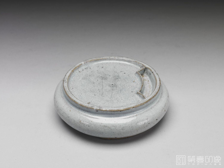 摄影-明-不详-明 月白釉圆砚 附嵌玉砚盒-径11.7cm 高3.5cm